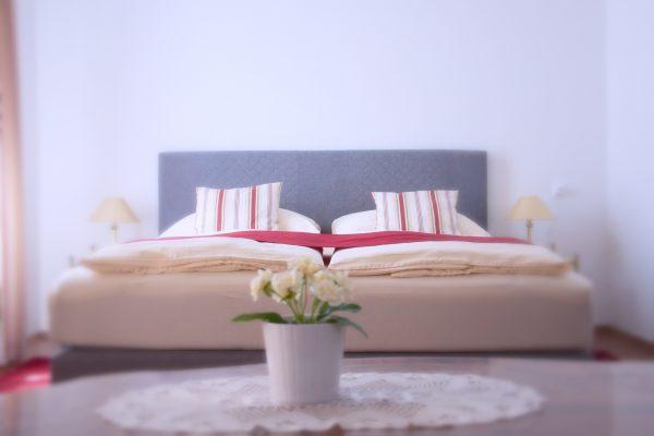 Waltraut Haas Zimmer Bett